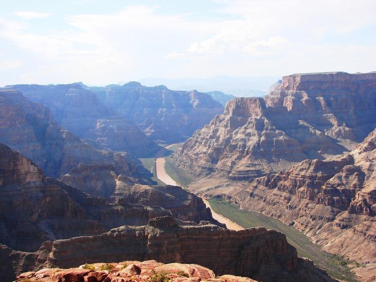 웨스트 림: 구아노 포인트에서 바라보는 협곡과 콜로라도 강의 경관은 단연 일품이다